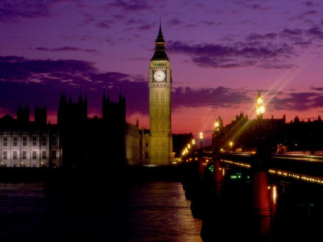 Big-Ben-at-Dusk,-London,-England